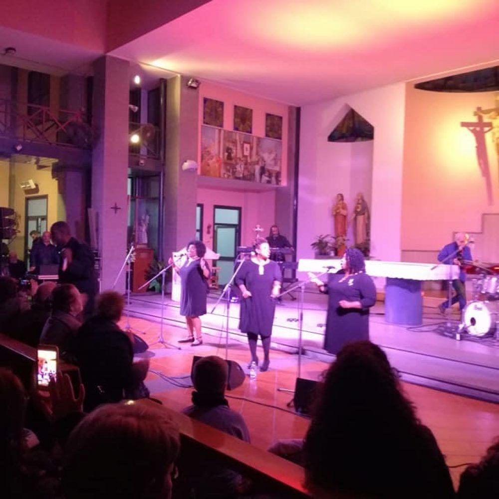 Chiesa dei Sacri Cuori, a Secondigliano commovente concerto gospel dei TONY WASHINGTON SINGERS