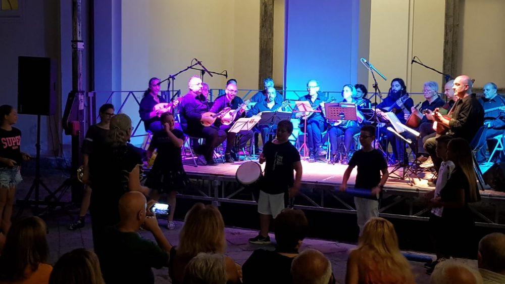 Al Convento di San Domenico Maggiore Mandolini e solidarietà in una sera d'estate