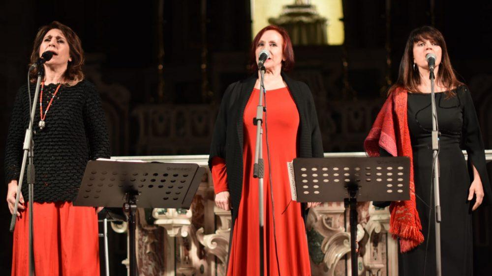 Bella Ciao, boom alla Chiesa di San Giovanni Battista per il più grande spettacolo del folk revival italiano