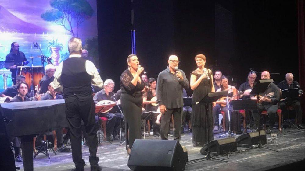 """Riconfermato il grande successo per il concerto di gala """"Mandolini sotto le Stelle""""."""