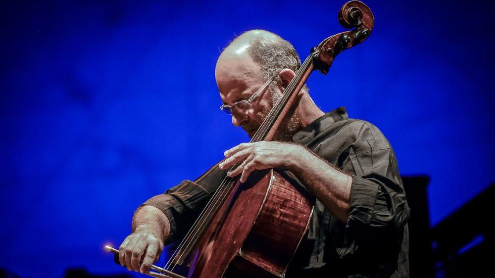 Il compositore e violoncellista brasiliano  Jaques Morelenbaum in concerto a 'Settembre al borgo' con l'omaggio a Tom Jobim