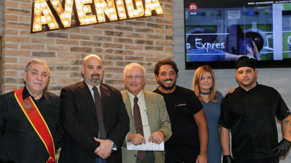 """Gran successo all'Avenida di Pianura per la presentazione del """"Panino Storico"""""""