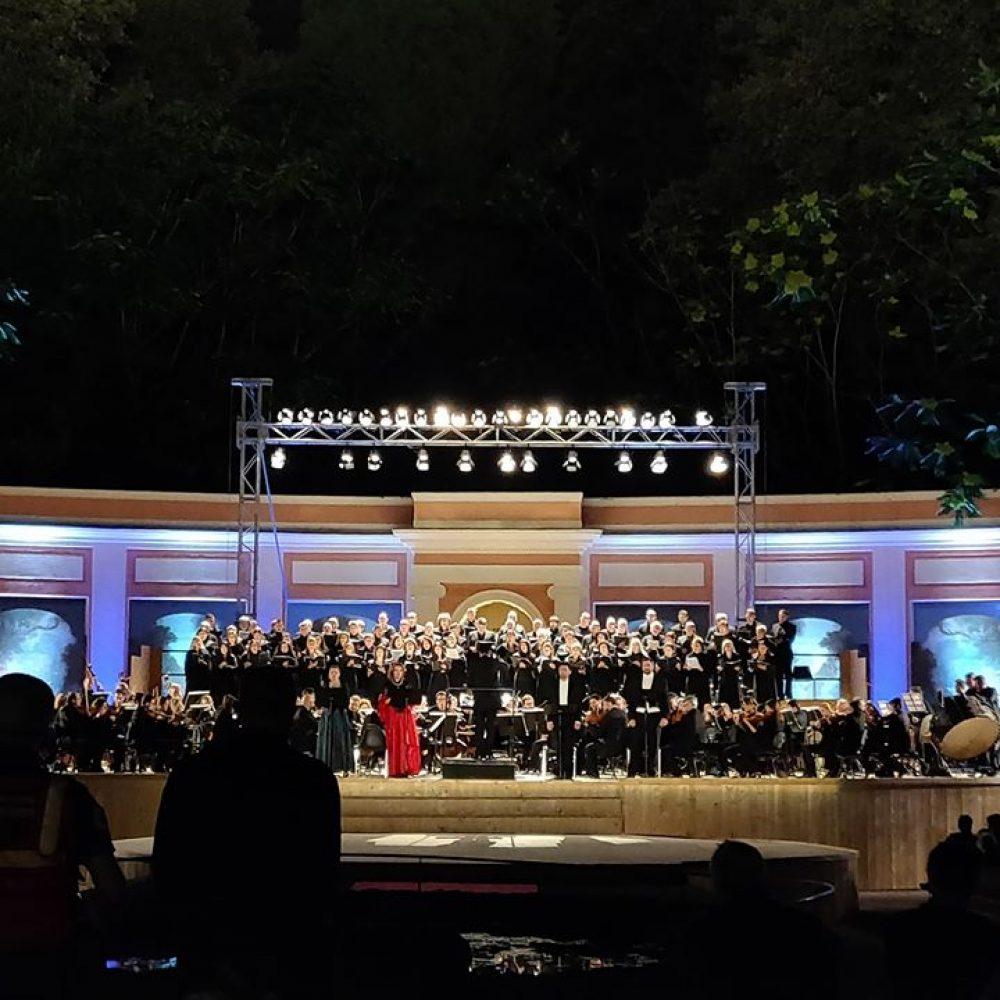 Il week end con SCABEC@HOME Pillole musicali con il San Carlo e la Nona di Beethoven e con le interpretazioni cult di Bambenella di Viviani