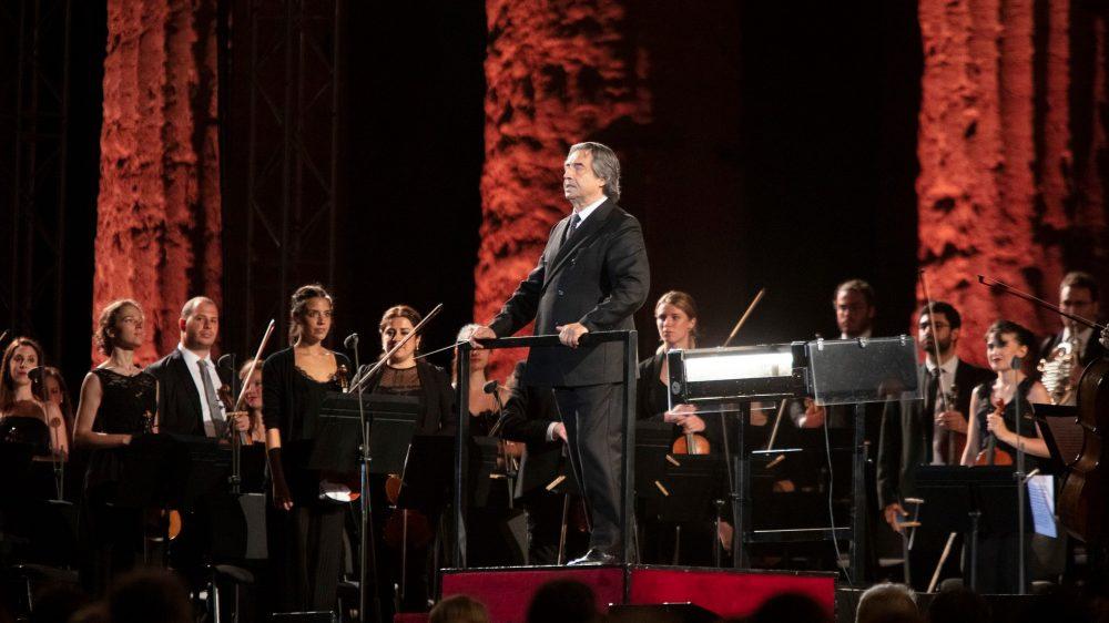 """Su Rai 1 """"Le Vie dell'Amicizia"""", il concerto di Riccardo Muti a Paestum/In onda domani giovedì 23 luglio alle 23,15"""