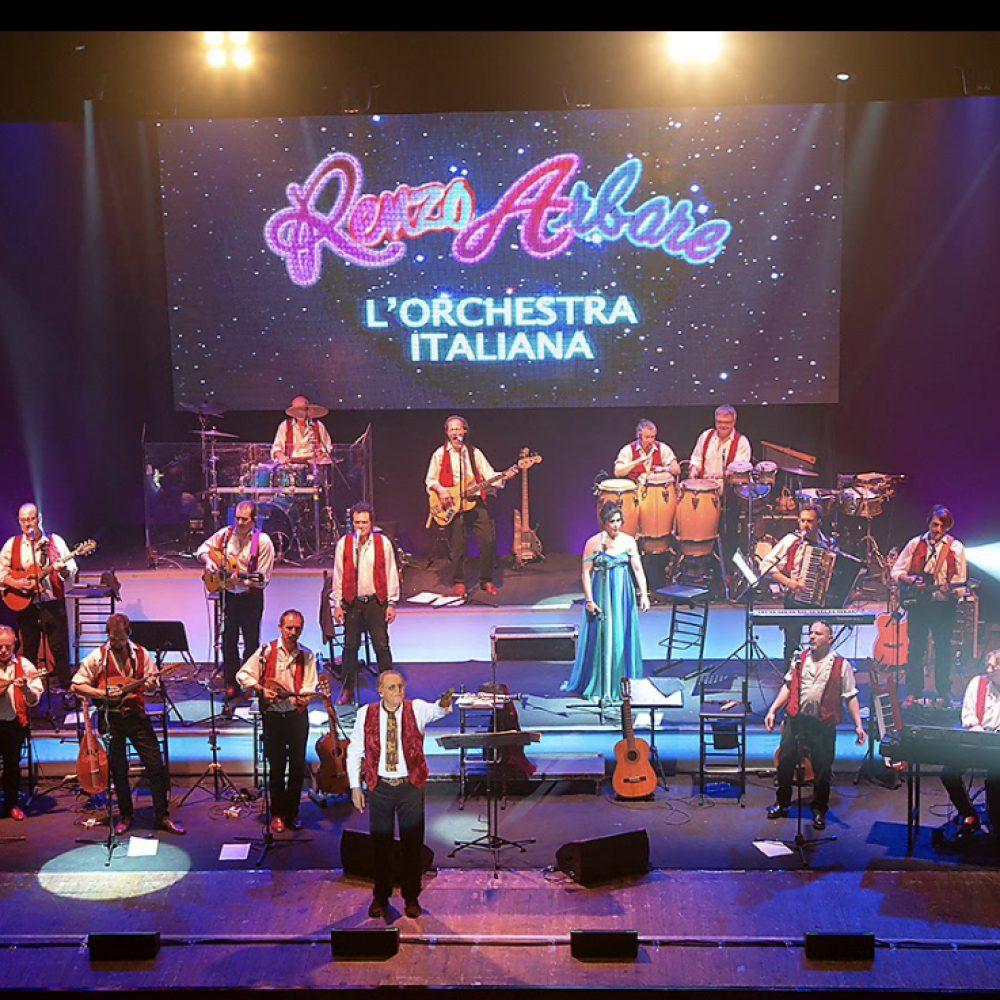"""""""Renzo Arbore L'Orchestra Italiana"""" tour in Campania con Open Art di Scabec  dal 4 agosto concerti gratuiti da Piano di Sorrento a Lioni"""