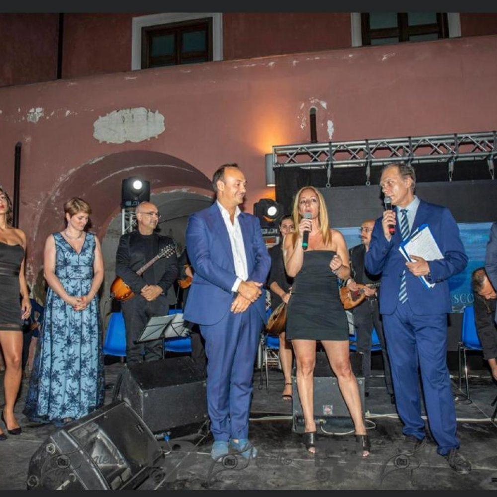 """Alto gradimento anche quest'anno per il concerto di gala """"Mandolini sotto le Stelle"""" edizione 2020."""
