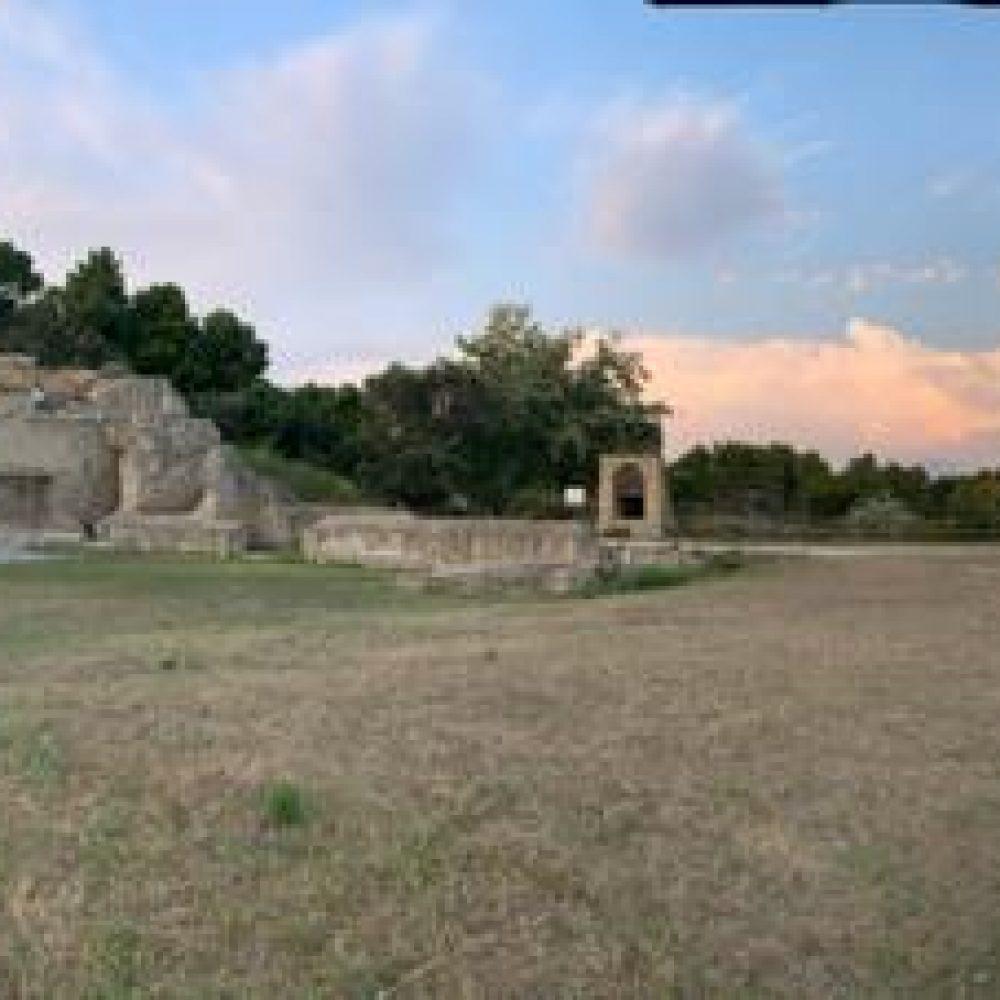 Ritmi di sole, di mare, di viaggio, di Sud al Maschio Angioino e al Parco Archeologico Pausilypon